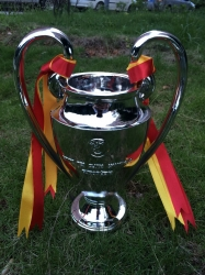 EUROPEAN CUP TROPHY UEFA CHAMPIONS LEAGUE REPLICA INCHES 43CM